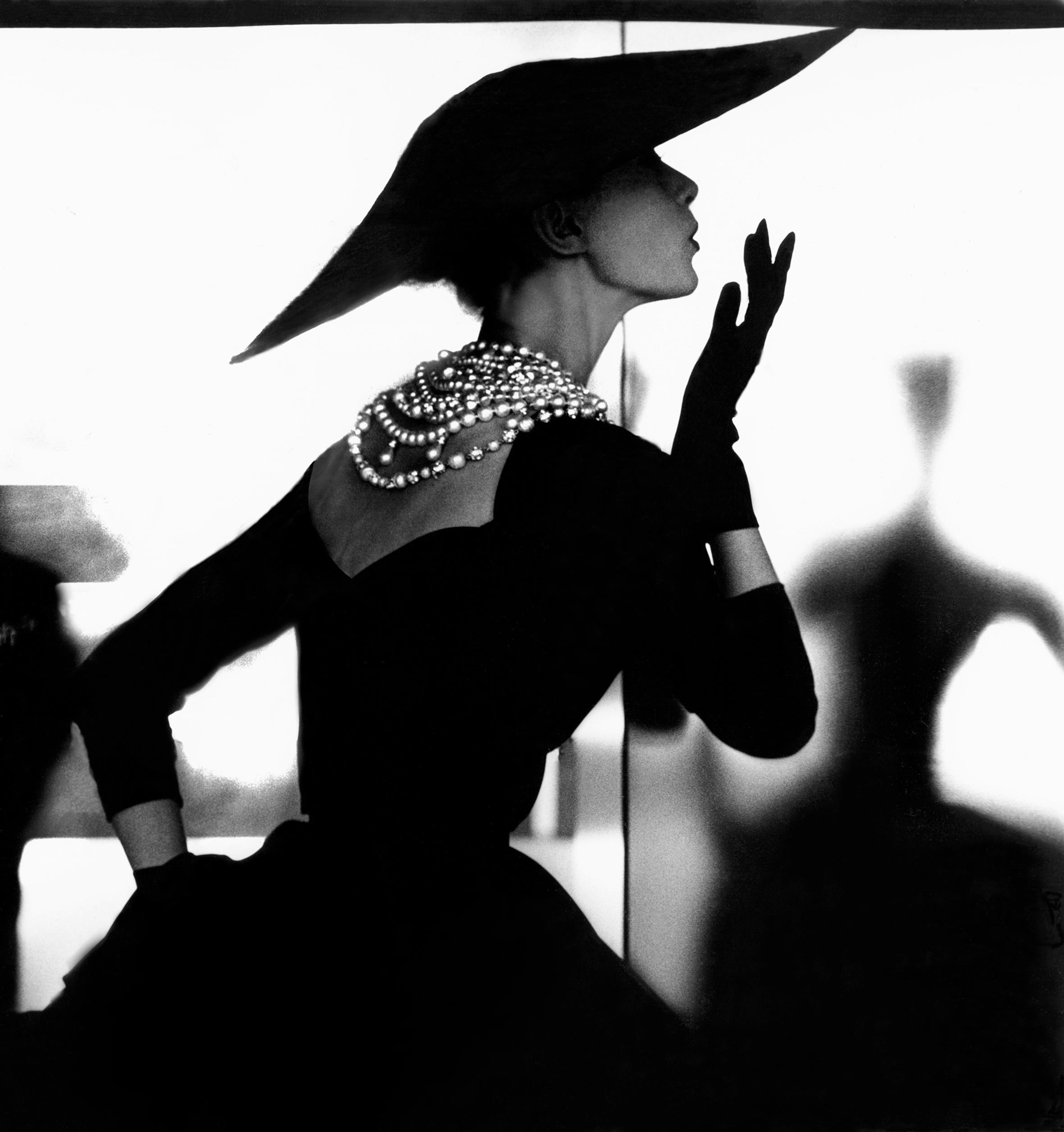 Секс с аристократкой в шляпе 21 фотография