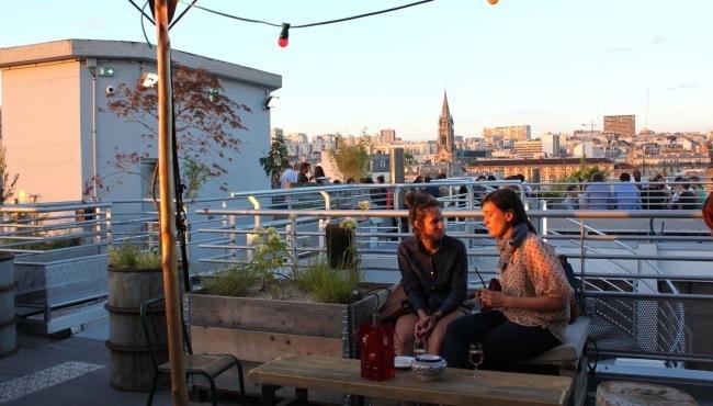 Vue sur les toits de Ménilmontant : Le Perchoir N°1