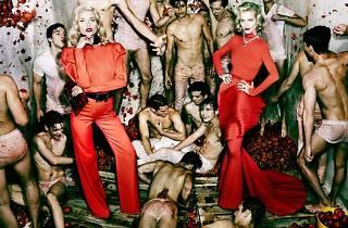 (Natasha Poly & Eva Herzigova, 'Vogue', Espagne, Madrid, 2012 / © Mario Testino)