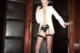 (Nadja Auermann, 'Vogue', Allemagne, Berlin, 2008 / © Mario Testino)