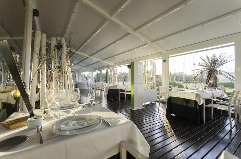 Fábula Buey & Champagne Golf Canal