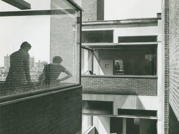 (Medical Research Building, Philadelphia © Louis I. Kahn Collection, Uni. of Penn. & the Pennsylvania Historical & Museum Commission photo Mildred F. Schmertz)
