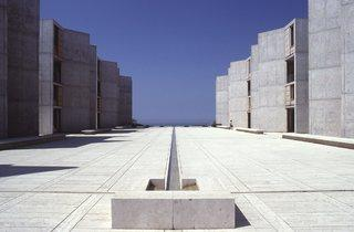 (Salk Institute in La Jolla, California, Louis Kahn 1959–65 © The Architectural Archives, University of Pennsylvania, photo John Nicolais)