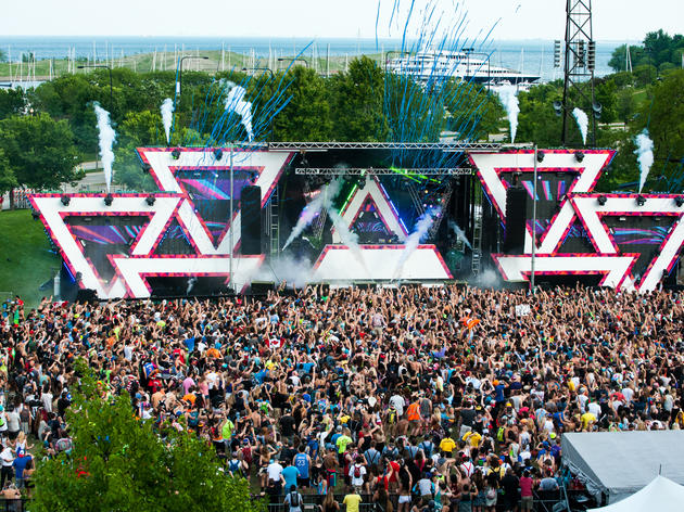 Spring Awakening Music Festival 2014, ravers head to Soldier Field for the EDM fest's final day.