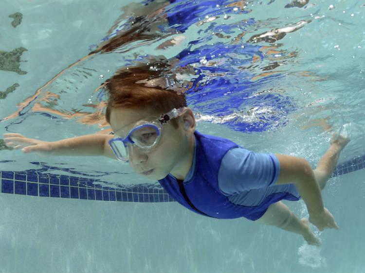 Clases de natación para niños y bebés