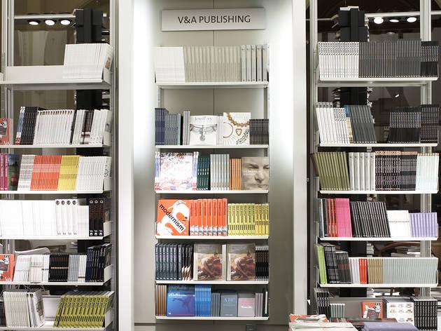 V&A Shop Flash Book Sale