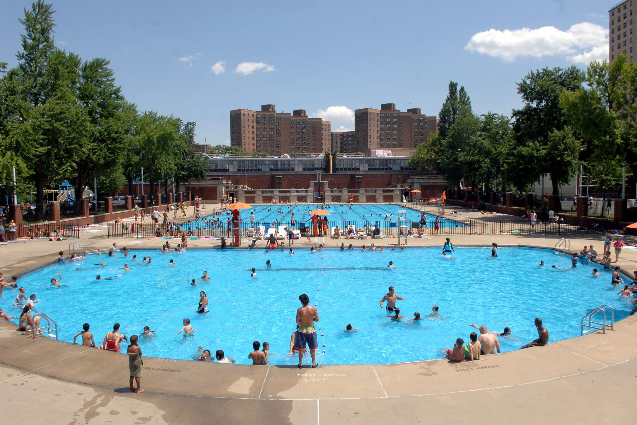 All the outdoor swimming pools nyc has open to the public for Swimming pool images
