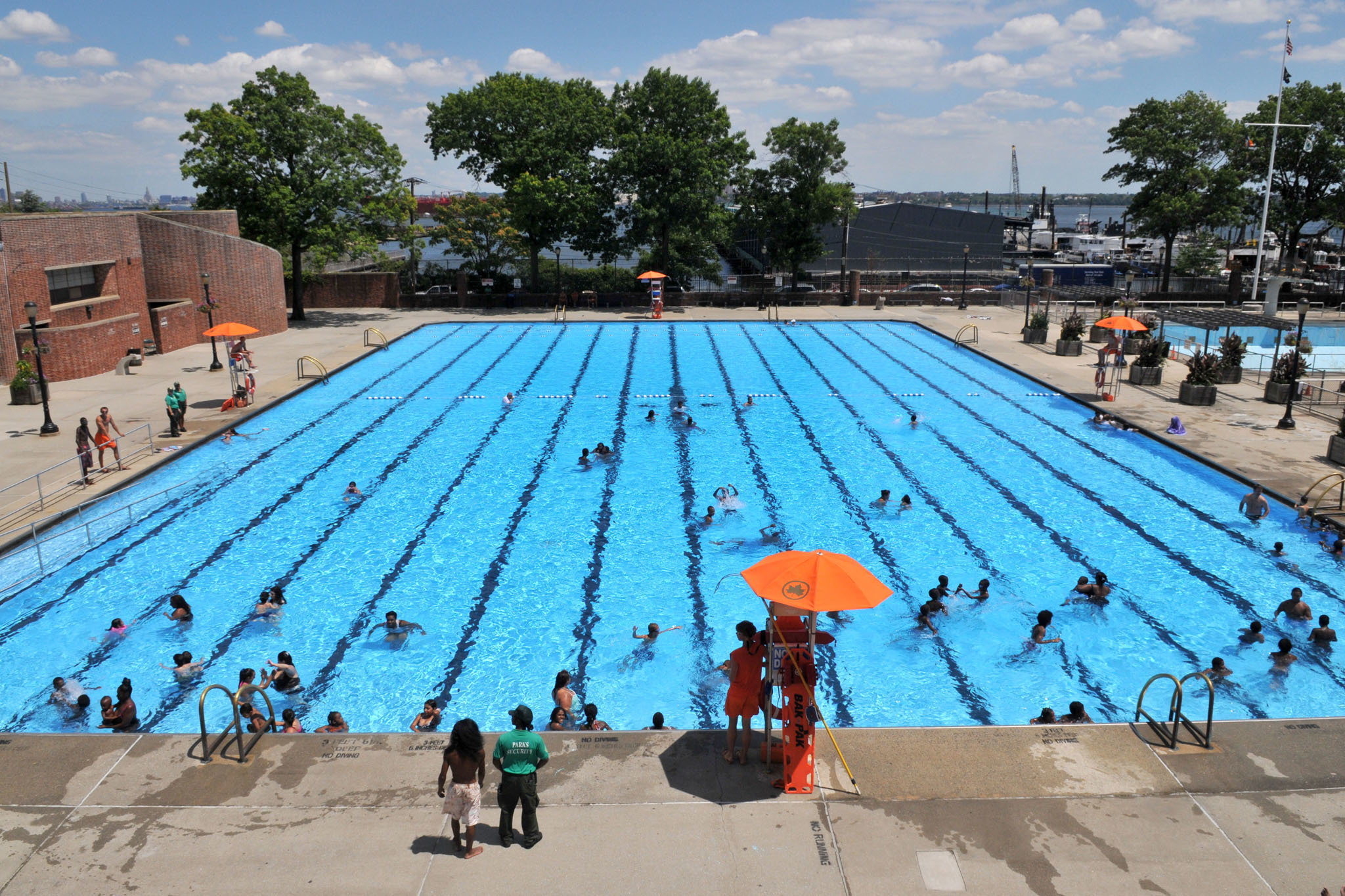 12 of the best public pools nyc has for swimming in summer for Public swimming pools around me