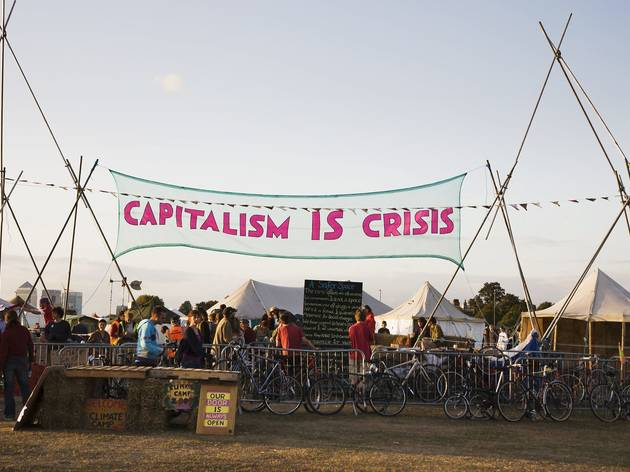 (ccupy London Stock Exchange, Capitalism is Crisis banner  © Immo Klink)