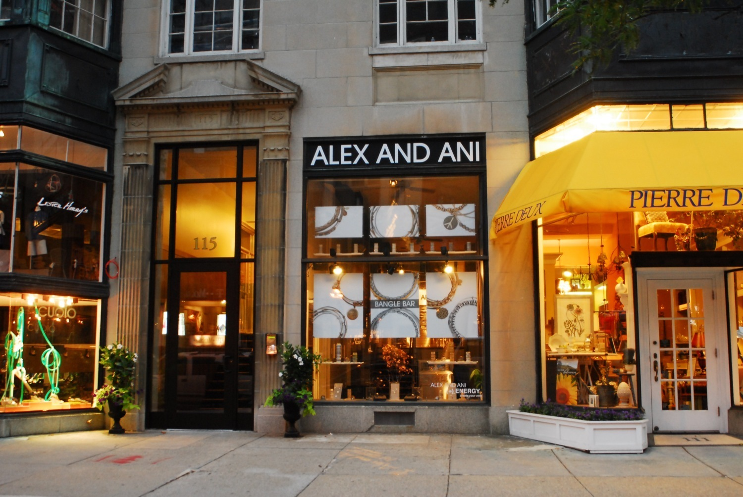 Best accessories and jewelry stores in Boston