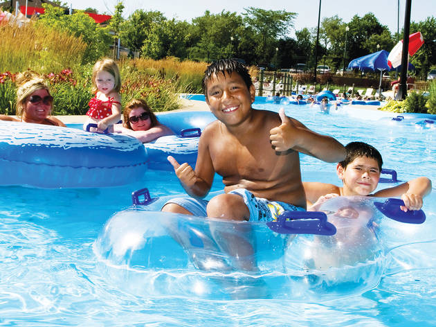 Water parks near Chicago
