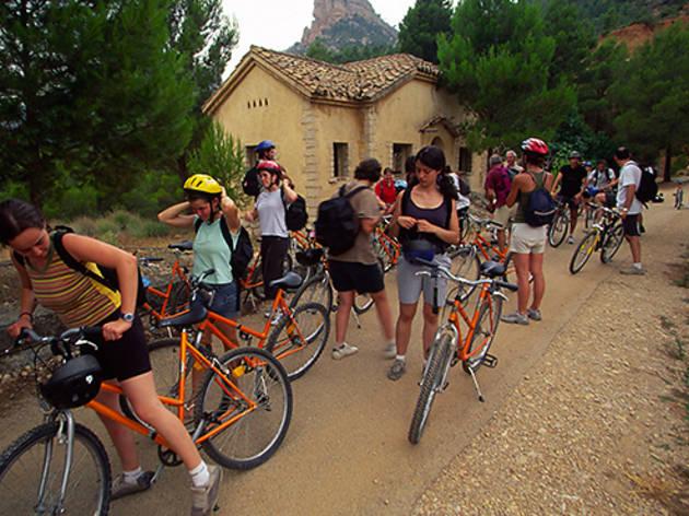 Ciclistas por la Vía Verde