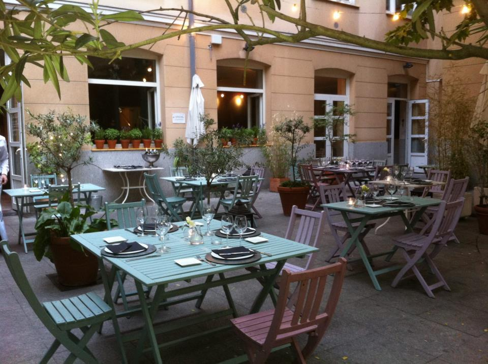 Café-bistrot, Instituto Francés