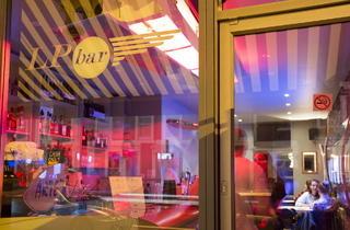 The LP Bar (© Ian Skelton)