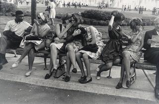 (Garry Winogrand, 'New York World's Fair', 1964 / © The Estate of Garry Winogrand / Courtesy Fraenkel Gallery, San Francisco / Photo : Don Ross)