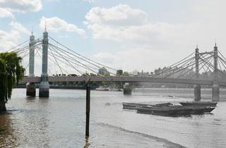 Albert Bridge (© Museum of London)