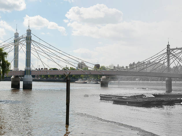 Albert Bridge (© Museum of London)