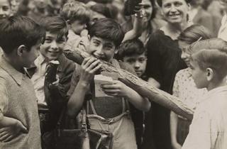('Le premier pain blanc', 24 août 1944 / © Musée Carnavalet / Parisienne de photographie)