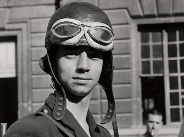 (Jean Séeberger, 'Portrait du FFI Michel Aubry', 22 ou 23 août 1944 / ©Frères Séeberger / Musée Carnavalet / Parisienne de photographie)