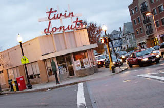 Twin Donuts, Restaurants and cafés, Boston