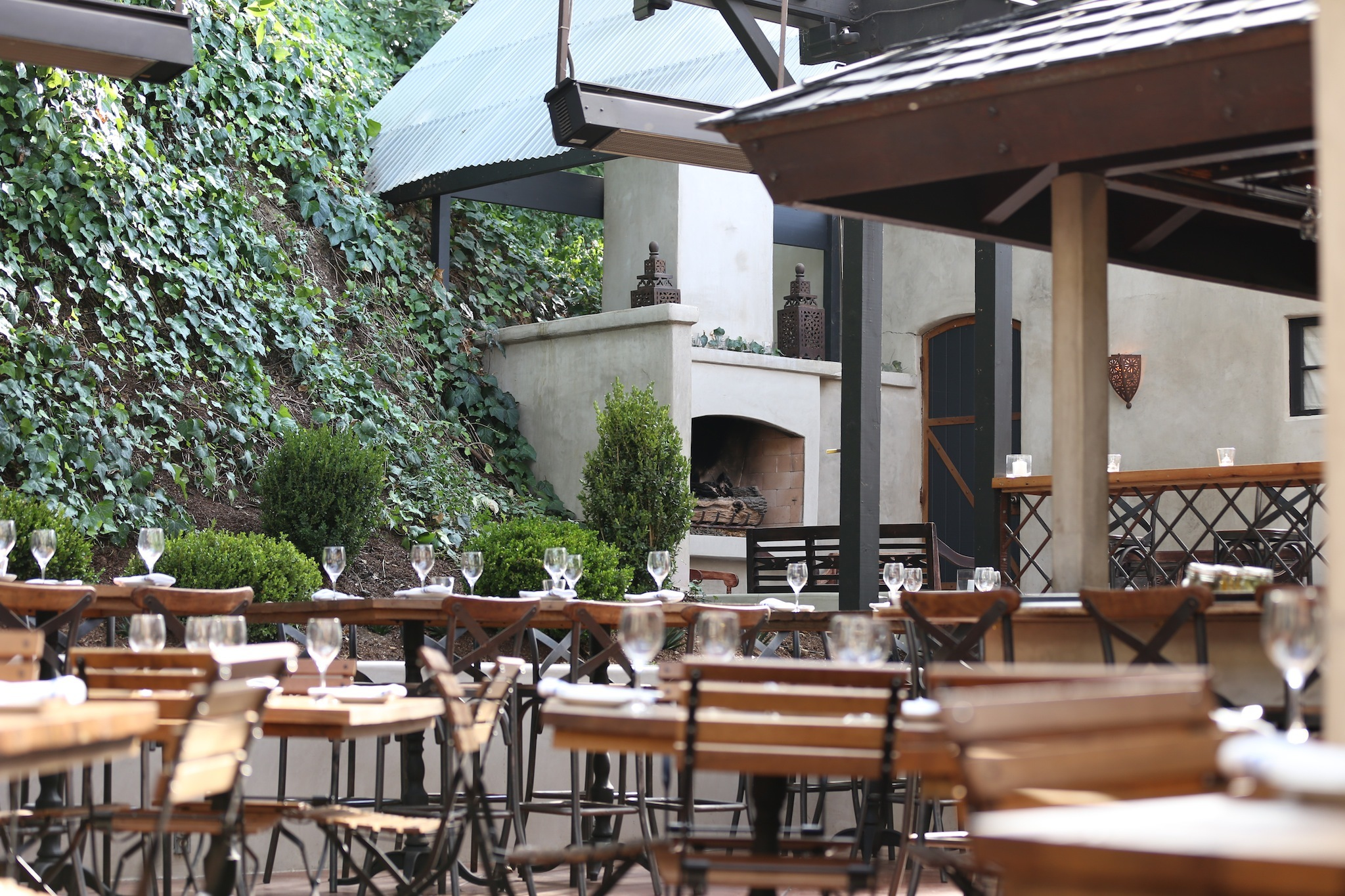 Best outdoor dining restaurants in Los Angeles
