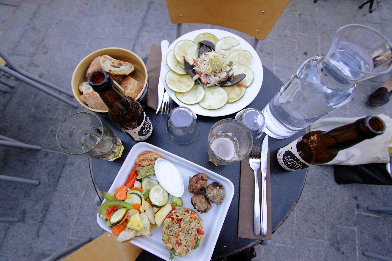 Les Petites Gouttes Halle Pajol restaurant