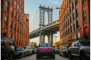 Lyft brings low-cost car service to Brooklyn and Queens