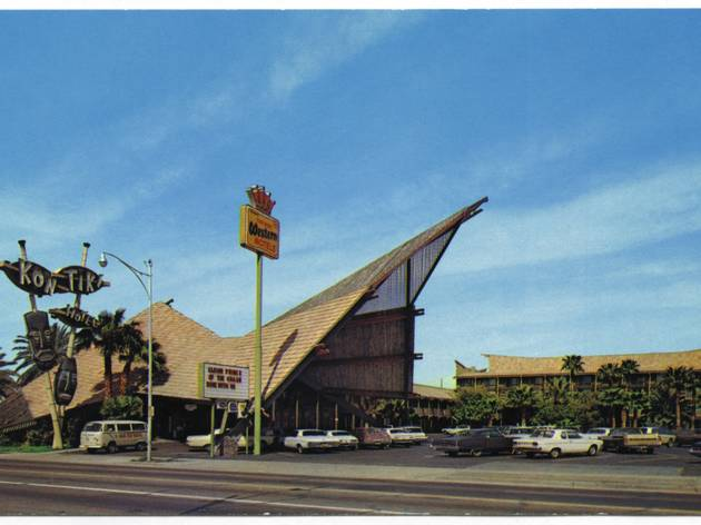 (Kon Tiki Hotel, Phoenix, Arizona, 1961 / Collection Scott Schell / © D.R.)