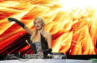 Foam & Diamonds: Paris Hilton
