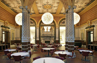 (V&A Cafe © Victoria and Albert Museum, London)