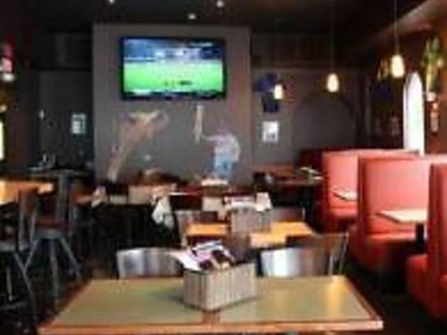 Hit Wicket Restaurant & Bar (CLOSED)