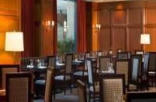 Side Bar Grille - Sheraton Boston