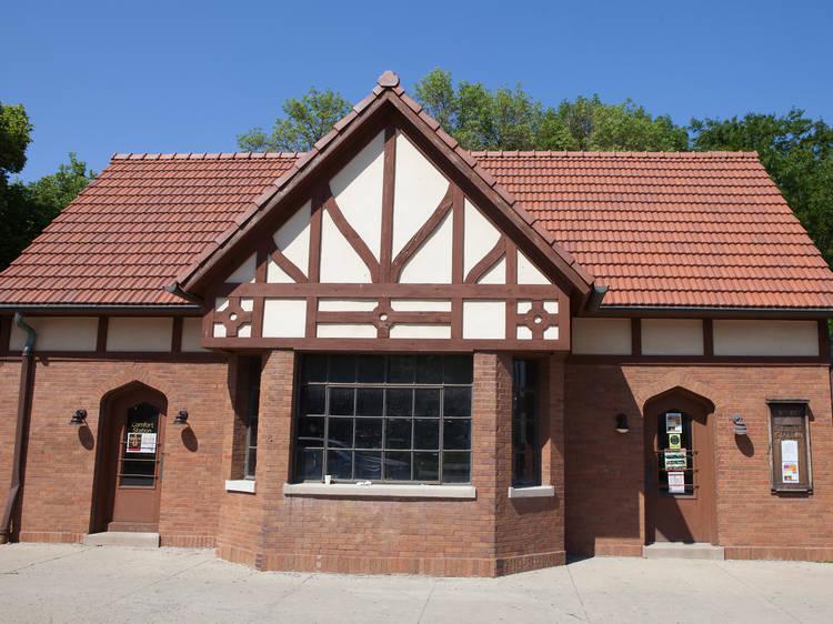 Comfort Station, 2579 N Milwaukee Ave