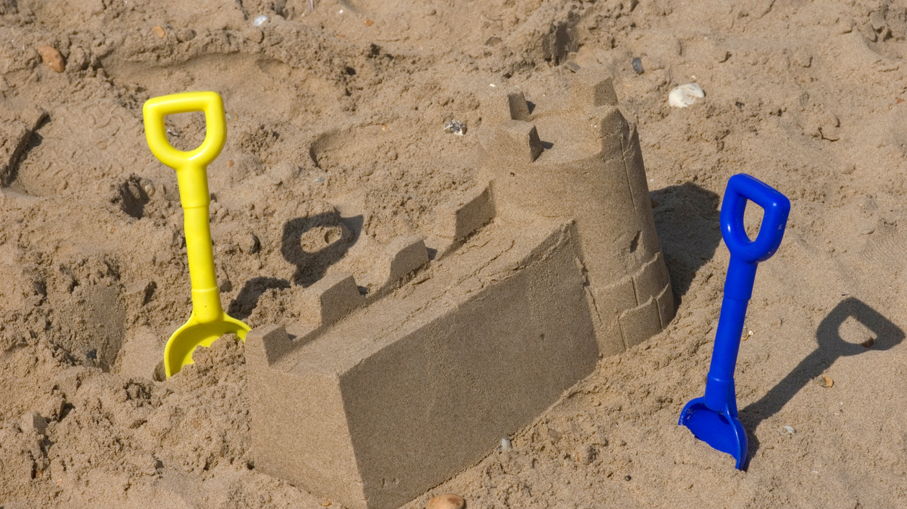 Make sandcastles at the V&A Museum of Childhood