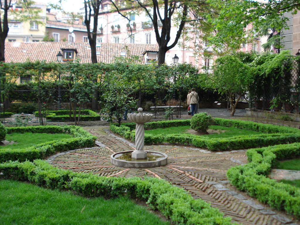The 21 most beautiful places in madrid for Jardines de plaza