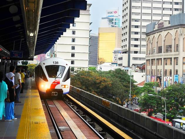 Know where to queue for the LRT