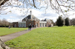 (The Serpentine Gallery © Greywolf, The Royal Parks)
