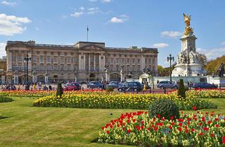 (Buckingham Palace © Greywolf, The Royal Parks)