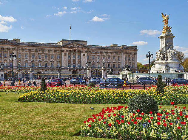 (Buckingham Palace © Greywolf, The Royal Parks)