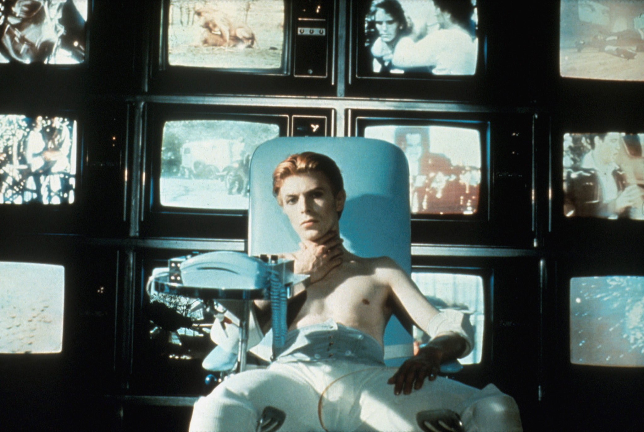 Sci-fi movie: The Man Who Fell to Earth