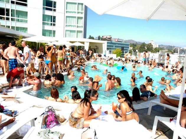 Friends with Benefits pool party