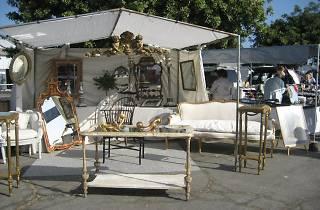 Santa Monica Airport Outdoor Antique & Collectible Market