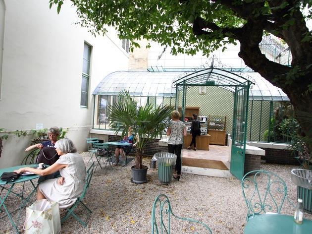 Café du musée de la vie parisienne