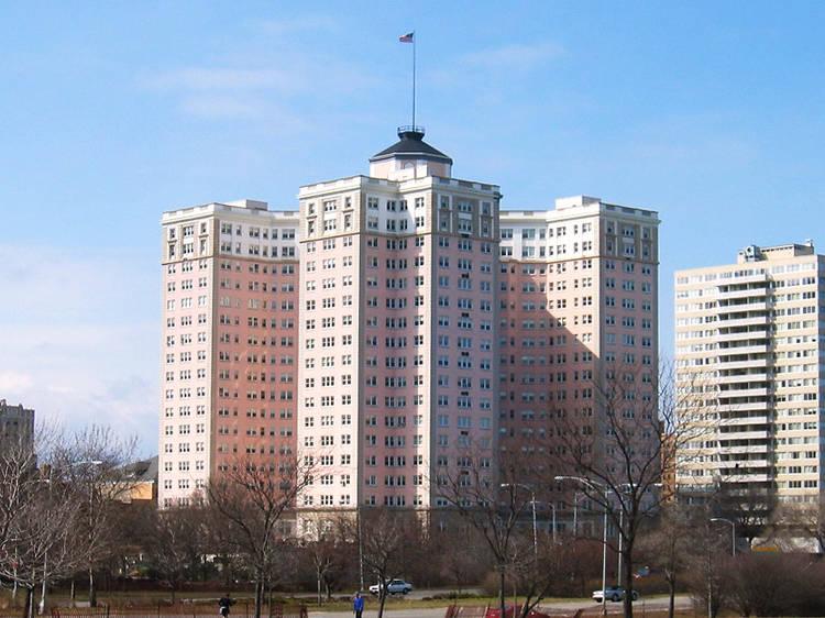 Edgewater Beach Apartments, 5555 N Sheridan Rd