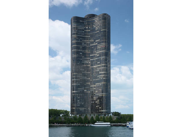 Lake Point Tower, 505 N Lake Shore Dr