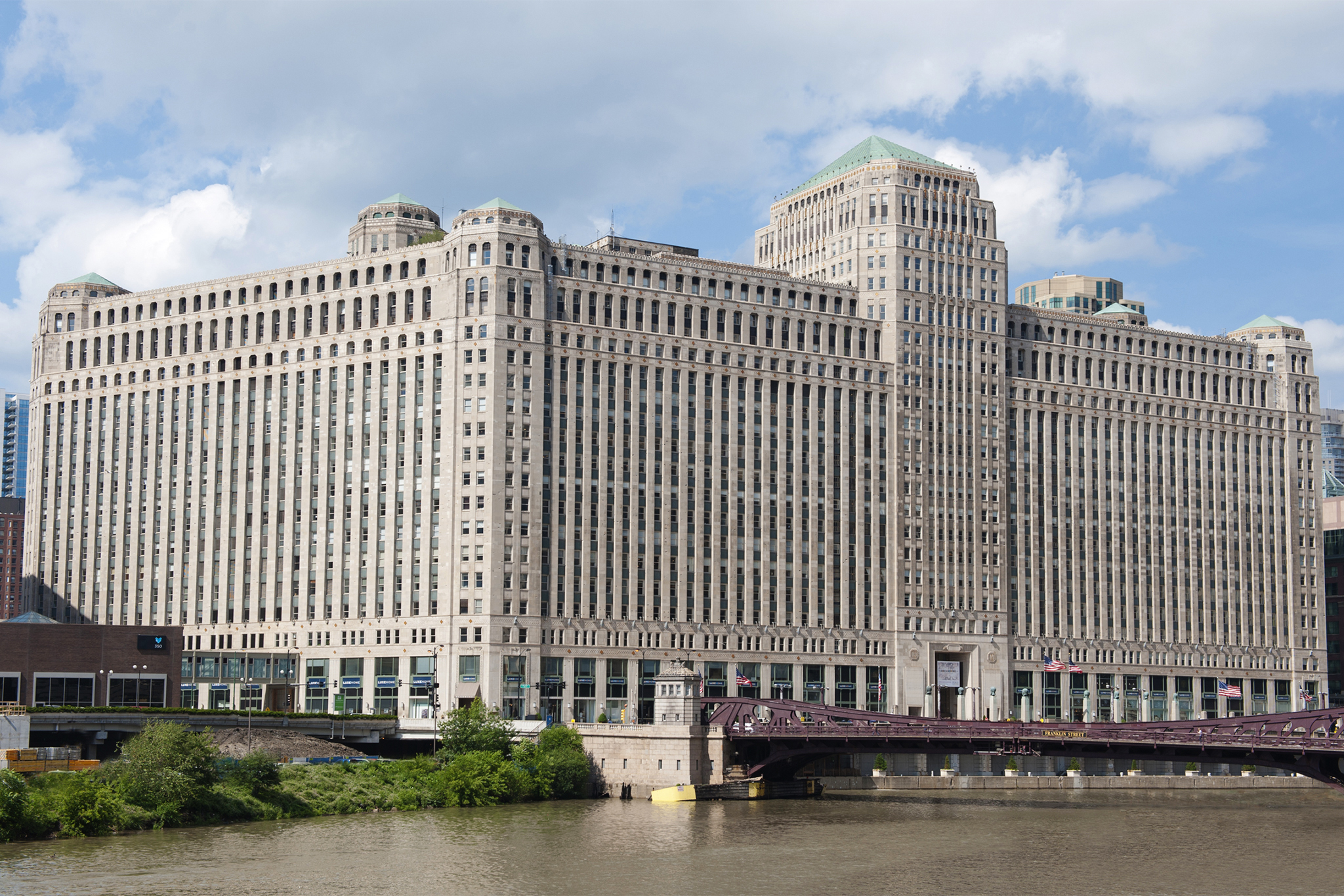 10 Most Famous Architecture Buildings the 50 most beautiful buildings in chicago