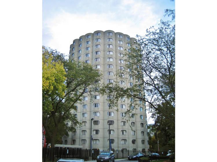 Hilliard Towers Apartments (Raymond Hilliard Homes), 54 W Cermak Rd