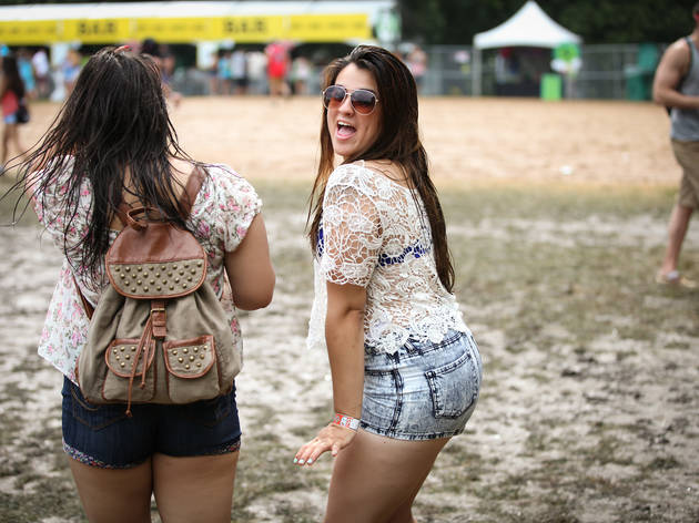 Mud people and heavy rains at Lollapalooza 2014 PHOTOS