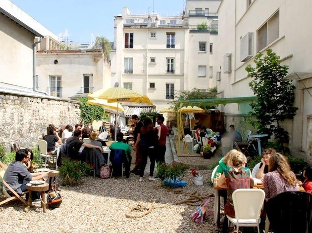 The best bars with gardens in paris music nightlife for Au fond du jardin strasbourg
