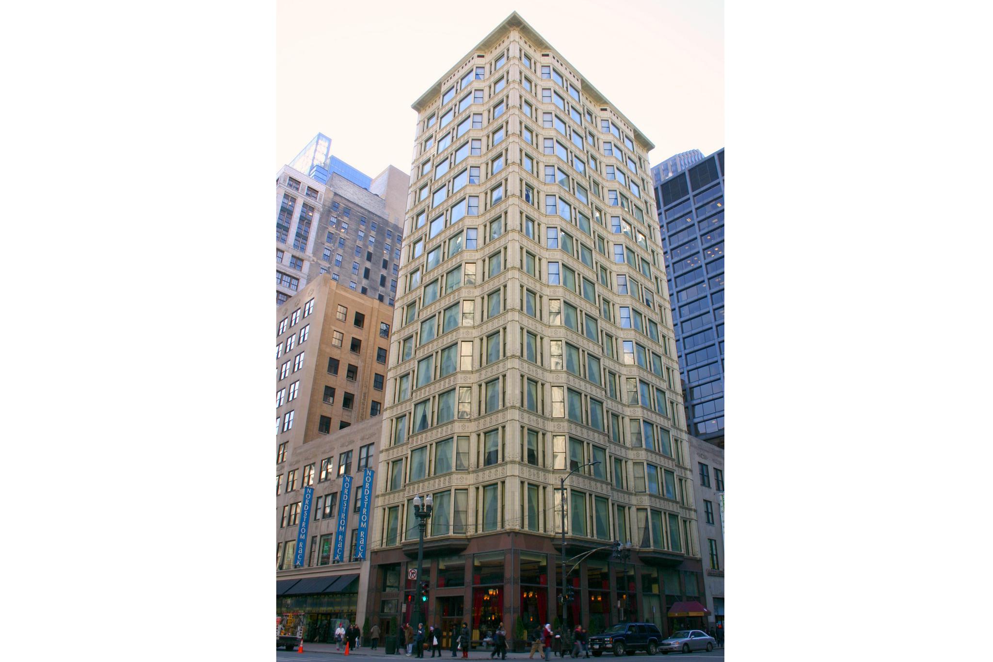 Reliance Building, 1 W Washington St